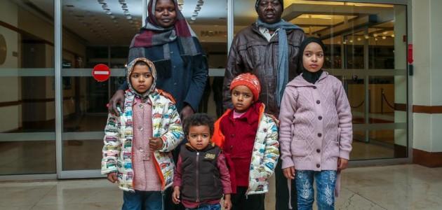 Suriye'de çocuklarıyla mahsur kalan anne, İstanbul'a geldi